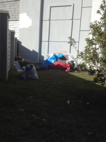 homelessTent